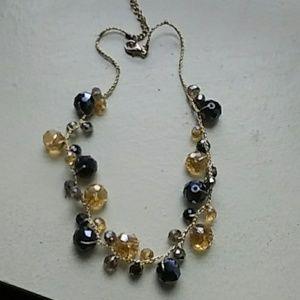 Jewelry - Costume necklace